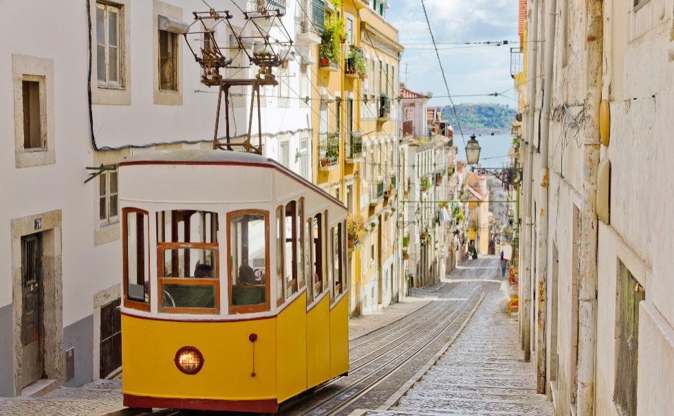 Experience Lisbon Walk Tour