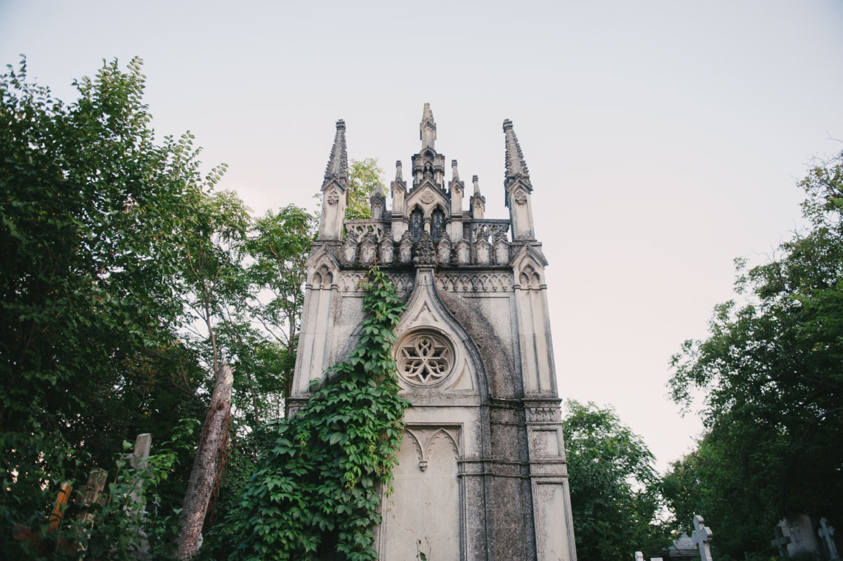 Bellu Cemetery – the ultimate Bucharest gem